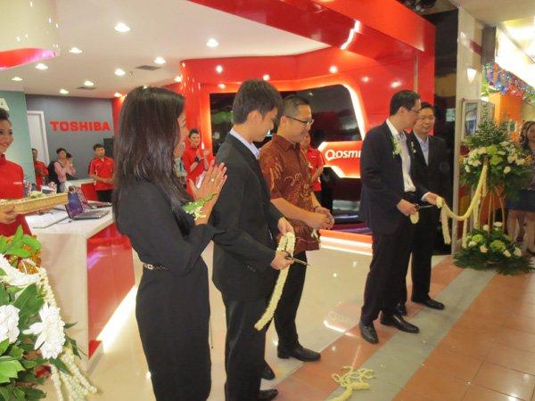 Toshiba-Flagship-Store-12