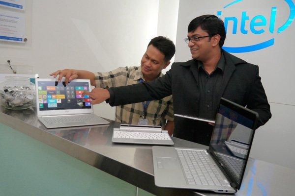 Intel Pamerkan Ultrabook Berlayar Sentuh Dengan Windows 8