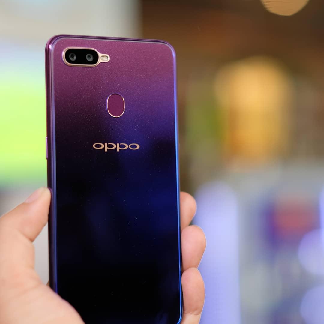 Berminat dengan Oppo F9? Yuk, Simak Dulu Kelebihan dan Kekurangannya